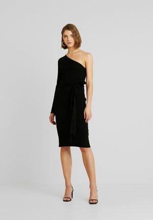 ONE SHOULDER TASSEL BELT KNITTED DRESS - Kotelomekko - black