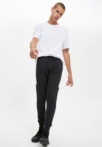 DeFacto - Pantaloni sportivi - anthracite - 1