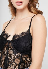 Missguided Petite - STRAPPY BODYSUIT - Top - black - 4