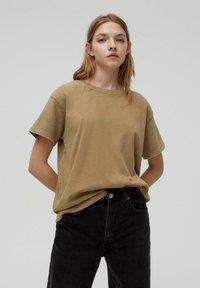 PULL&BEAR - Print T-shirt - brown - 0