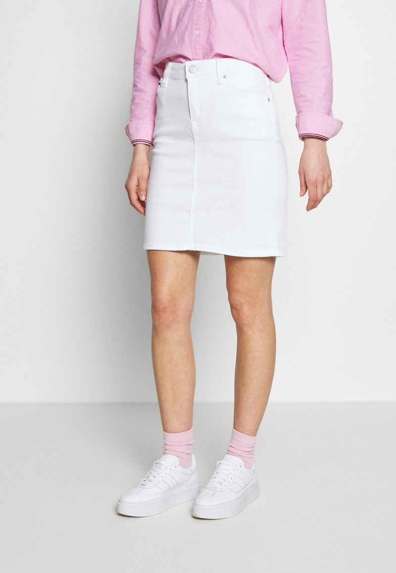 Tommy Jeans - CLASSIC SKIRT  - Pencil skirt - candle white