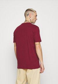 Ellesse - PRADO - T-shirt z nadrukiem - burgundy - 2