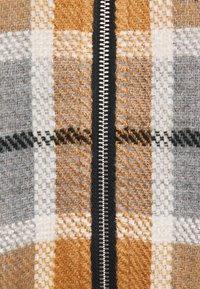 Desigual - PONCHO CHECKS - Kapper - brown - 2