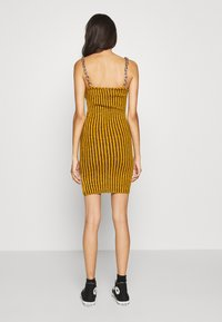 The Ragged Priest - SHACKLE - Shift dress - dark yellow - 2