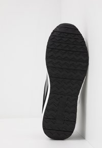 Versace Jeans Couture - Zapatillas - black - 4