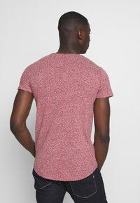 Tommy Jeans - BASIC VNECK TEE SLIM FIT - T-shirt print - wine red - 2