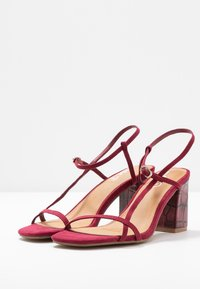 Rubi Shoes by Cotton On - HANNAH THIN STRAP HEEL - Sandály - cabernet