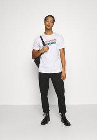 Jack & Jones - JORTYLER TEE CREW NECK  - Print T-shirt - white - 1
