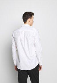 Burton Menswear London - Skjorta - white - 2