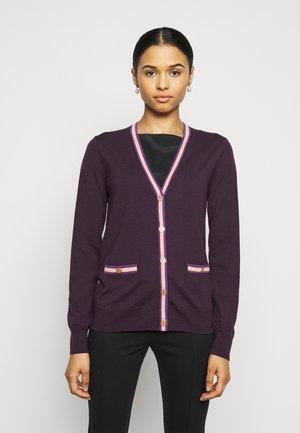 COLOR BLOCK MADELINE CARDIGAN - Cardigan - festive dark purple