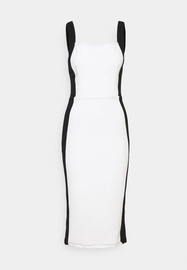 IVY STRAP BODYCON DRESS - Shift dress - white/black