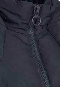 Topshop Petite - LUCY CROPPED HOODED PUFFER - Winter jacket - navy - 2