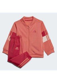 adidas Performance - FAVOURITES TRAINING SPORTS TRACKSUIT BABY SET - Tracksuit - red - 0
