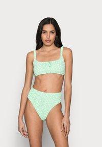 Cotton On Body - ROUCHED HIGHWAISTED CHEEKY BIKINI SET - Bikini - mint - 0