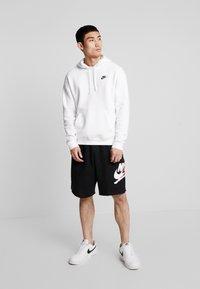 Jordan - JUMPMAN CLASSICS  - Teplákové kalhoty - black/white/gym red - 1