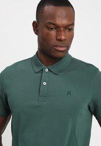 Selected Homme - SLHLUKE SLIM FIT - Polo shirt - trekking green - 4