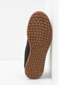 Vaude - ASFALT DFX - Sneakersy niskie - black - 4