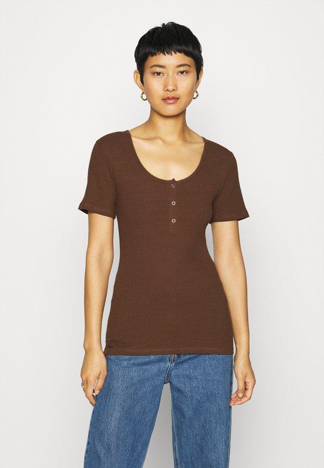 ORSON - T-shirt - bas - pecan