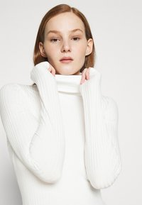 New Look - ROLL NECK - Long sleeved top - off white - 3