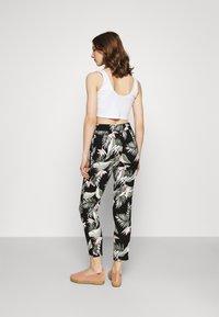 Vero Moda - Pantalones - black - 2