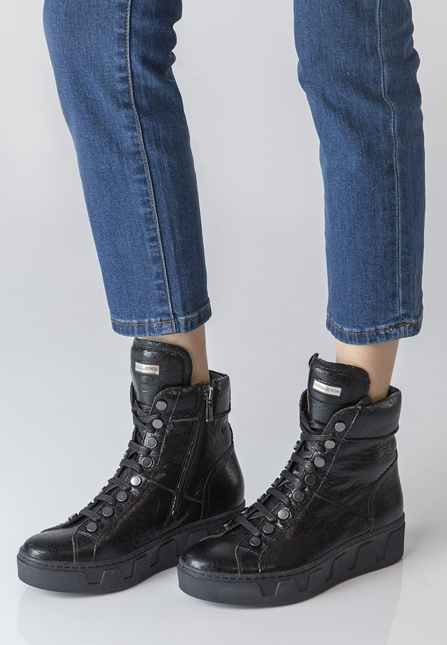 TJ COLLECTION ANKLE BOOTS - Veterboots - black