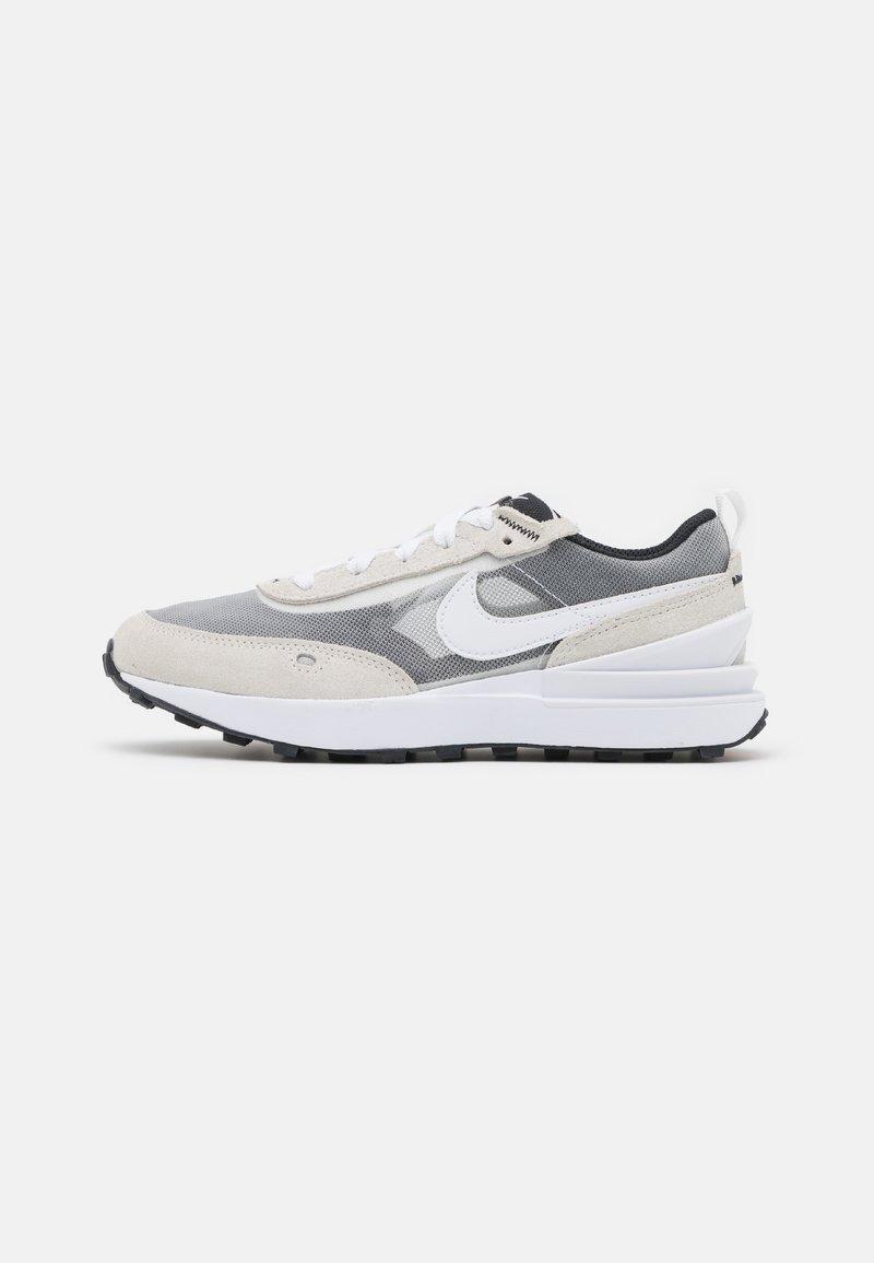 Nike Sportswear - WAFFLE ONE UNISEX - Sneakers laag - summit white/white/black/orange