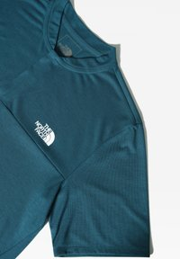 The North Face - M ACTIVE TRAIL POLO - T-shirt imprimé - mallard blue - 2