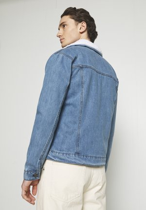 BORG TRUCKER - Denim jacket - blue