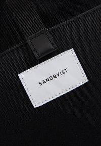 Sandqvist - ILON - Rygsække - black - 8