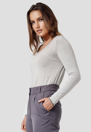 AVA - Long sleeved top - new taupe
