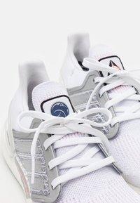 adidas Performance - ULTRABOOST 20 DNA  - Zapatillas de running neutras - footwear white/silver metallic/frecan - 5