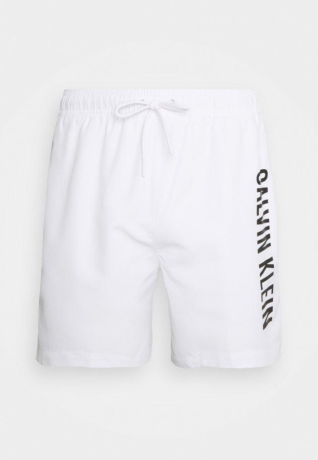 INTENSE POWER DRAWSTRING - Shorts da mare - classic white