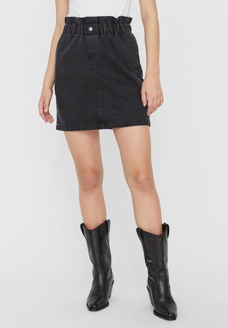 Noisy May - A-line skirt - black