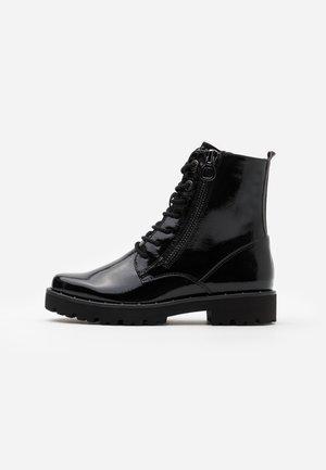 BOOTS - Platåstøvletter - black