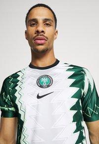 Nike Performance - NFF NIGERIA NIGERIA HOME - Landslagströjor - white/black - 3