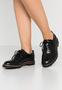 Marco Tozzi - LACE UP - Lace-ups - black antic - 0