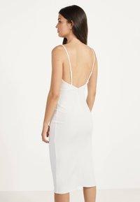 Bershka - Gebreide jurk - white - 2