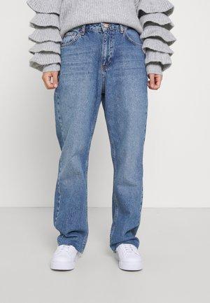 HIGH WAIST  - Džíny Straight Fit - mid blue