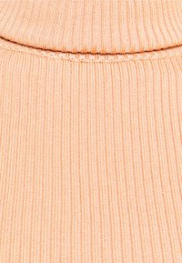 Missguided Petite - ROLL NECK CROP JUMPER - Pullover - sand - 2