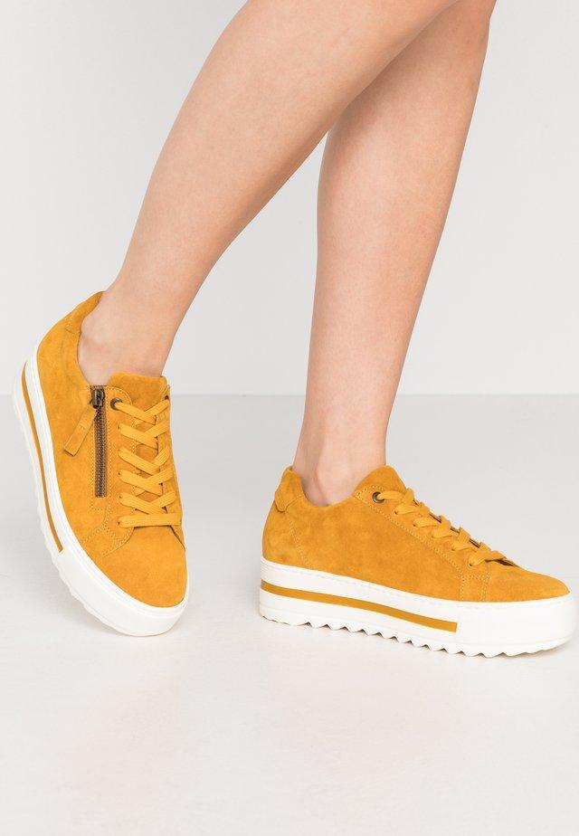 Sneaker low - herbst