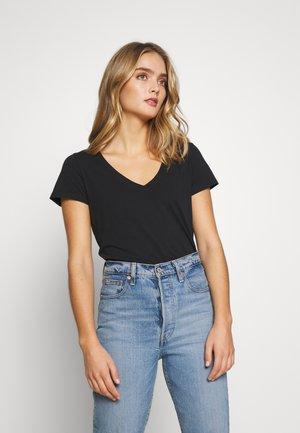 ARDEN V NECK TEE - Basic T-shirt - black