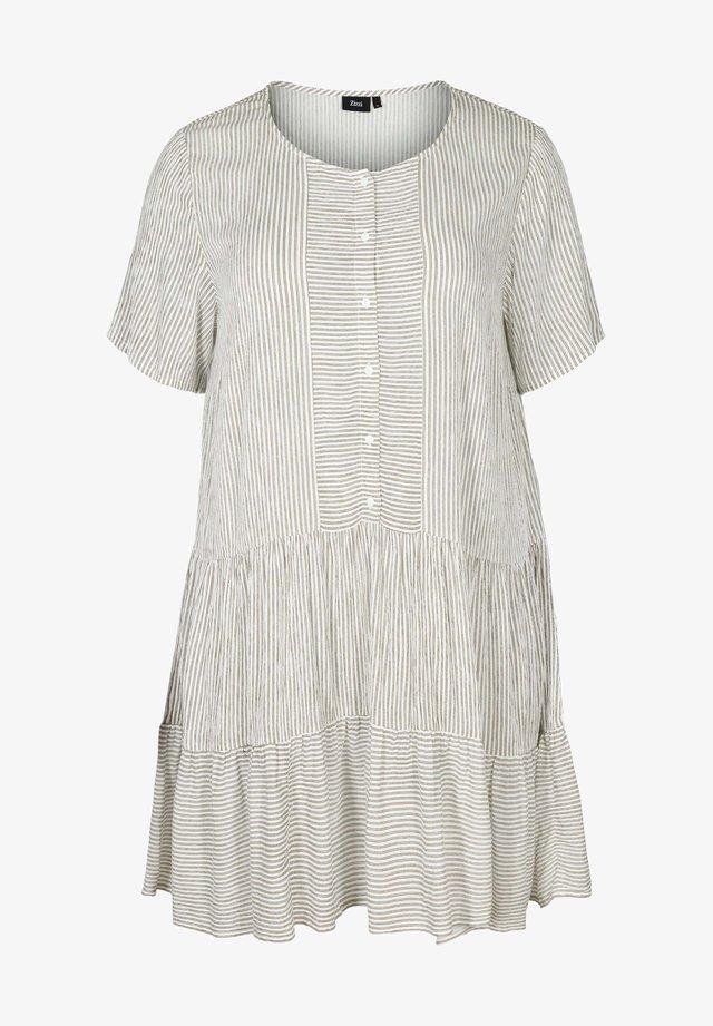 MIT STREIFEN UND KNÖPFEN - Day dress - white