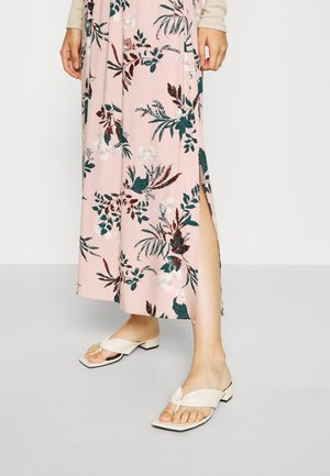 VMSIMPLY EASY SKIRT - Maxi skirt - misty rose
