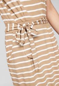 s.Oliver - ROBE  - Robe d'été - desert sand stripes - 3