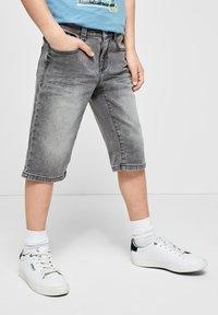 s.Oliver - SLIM - Denim shorts - grey - 0
