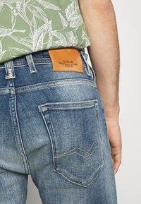 Replay - AGED ECO - Denim shorts - medium blue - 4