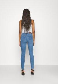 ONLY - ONLGLOBAL MID BOX - Jeans Skinny Fit - light blue denim - 2