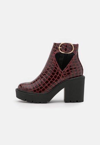 BRYCE CUT OUT UNIT - Platform ankle boots - burgundy