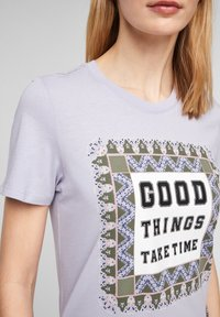 s.Oliver - MIT FOTOPRINT COLLAGE - T-shirt print - lilac good things print - 6