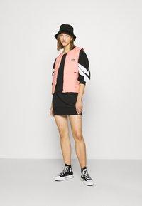 adidas Originals - SPORTS INSPIRED REGULAR VEST - Bodywarmer - trace pink - 1
